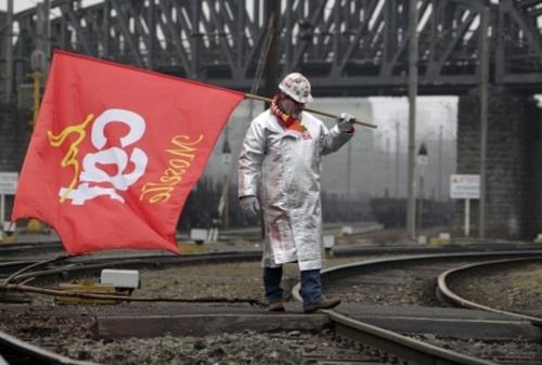 Un métallo lors du blocage du site © Reuters Vincent Kessler