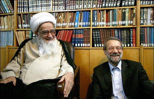 l'Ayatollah Safi Golpayegani avec Ali Larijani  des membres du clan des ultra conservateurs les plus durs de la dictature