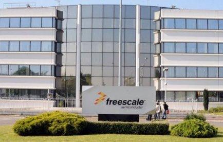 """En 2009, Freescale, qui ne la jugeait plus rentable, se donnait jusqu'à fin 2011 pour fermer cette unité de fabrication de composants principalement destinés à l'industrie automobile. Freescale promettait alors d'offrir """"un CDI pour chaque salarié licencié""""."""