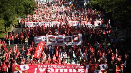 Des manifestants venus de Castille (centre de l'Espagne) dans les rues de Madird, le 15 septembre 2012.