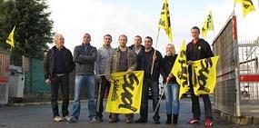 Hier matin, une quinzaine d'agents postiers ont tenu le piquet de grève sur le site de distribution du Carihem.
