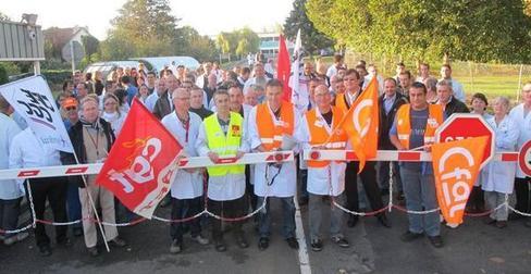 Les banderoles étaient de sortie hier à Poitiers, à l'appel de l'intersyndicale. Les syndicats CGT, CFDT et CFE-CGC, sont représentés sur le site poitevin.