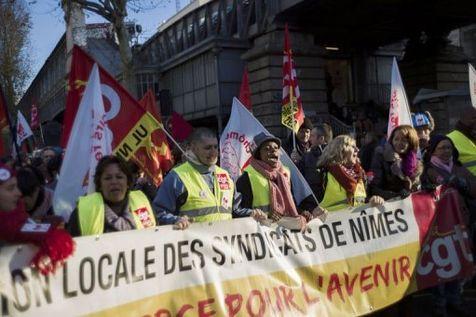 Manifestation contre le chômage et la précarité le 1er décembre à Paris