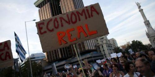 Lors d'une manifestation contre les mesures d'austérité, le 13 octobre à Madrid.
