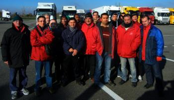 Les grévistes ont bloqué la base logistique de Bressols hier de 5 heures à 11 heures