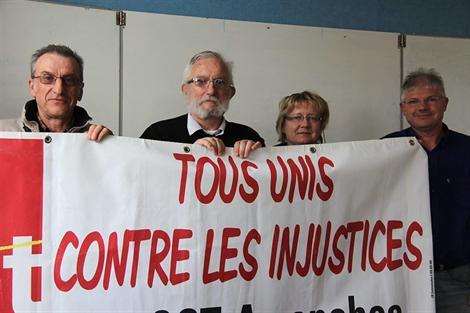 De gauche à droite, Jean-Pierre Dupuy, UL CGT Avranches, Denis Levallet, UL Granville, Laëtitia Lévêque et Joël Dufour, UL Avranches.