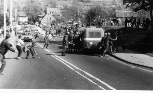 Affrontements entre ouvriers et forces de répression à Gdansk, 1er Mai 1988.
