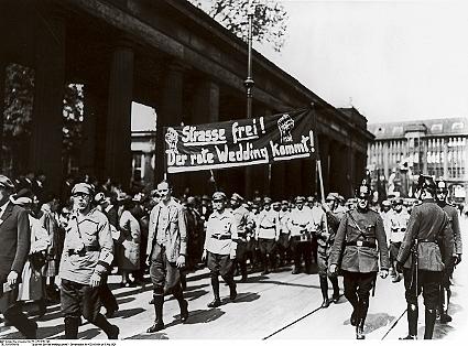 Cortège des ouvriers de Wedding, 1 Mai 1929 à Berlin