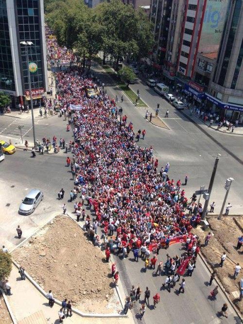 Manifestation ouvrière à Izmir, 17 juin