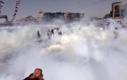 Lacrymogènes Place Taksim