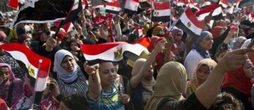 Le communiqué de Human Rights Watch fait état de 5 attaques contre des femmes le 28 juin, 46 le dimanche 30 juin au plus fort des manifestations, 17 le 1er juillet et 23 le 2 juillet.