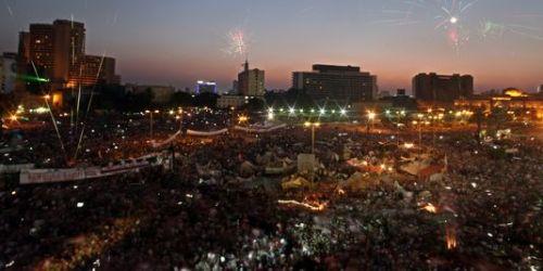 Des milliers d'opposants au président déchu Mohamed Morsi se sont rassemblés place Tahrir au Caire, le 7 juillet. | AP/Khalil Hamra