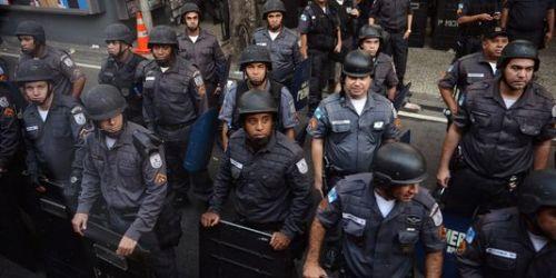 3451316_3_91b7_la-police-de-rio-janeiro-a-violemment-disperse_6f5046218f0b40b1efad6440d1aa1764