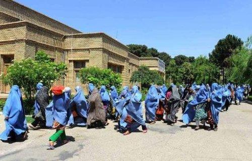 Le Comité des Nations unies pour l'élimination de la discrimination à l'égard des femmes a dénoncé lundi le niveau toujours élevé des violences infligées aux femmes en Afghanistan et a demandé aux autorités de mettre fin à l'impunité des coupables.