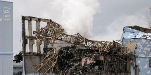 Le bâtiment qui abrite le réacteur 3 de la centrale, le plus endommagé par la catastrophe.