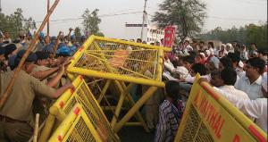 Pour les ouvriers de l'usine Maruti Suzuki en Inde, le 18 juillet marque un anniversaire indésirable, chargé d'anti-syndicalisme manifeste de la part de la police et des autorités locales. Une grève de la faim est prévue pour tenter de mettre fin à la répression.