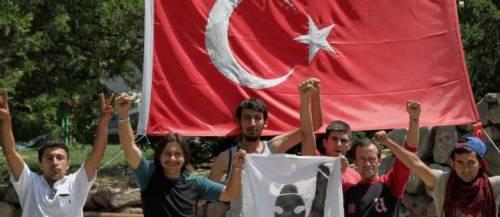 Des manifestants antigouvernementaux dans un parc turc. © Burhan Ozbilici/AP / SIPA