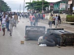 En avril 2012, un mouvement étudiant avait déjà donné lieu à des affrontements avec les forces de l'ordre à Libreville. AFP/Tiphaine Saint-Criq