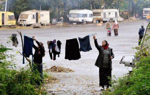 Les Roms ont été évacués du parking qu'ils occupaient à Villeneuve d'Ascq le 25 octobre.