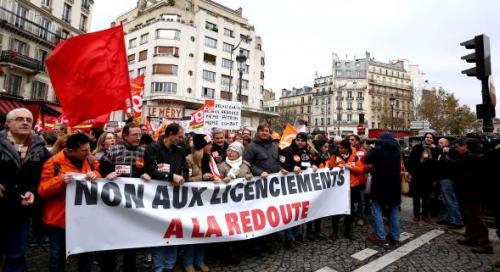L'enjeu pour les syndicats de La Redoute : maintenir la pression de manière aussi symbolique que lors de la manifestation à Paris.