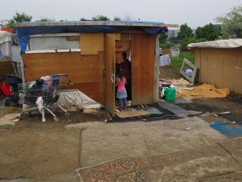 Roma informal settlements Ile-de-France