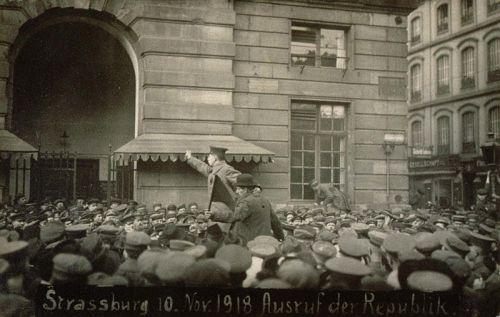 10 novembre 1918, soldats allemands et ouvriers alsaciens proclament le pouvoir des conseils à Strasbourg