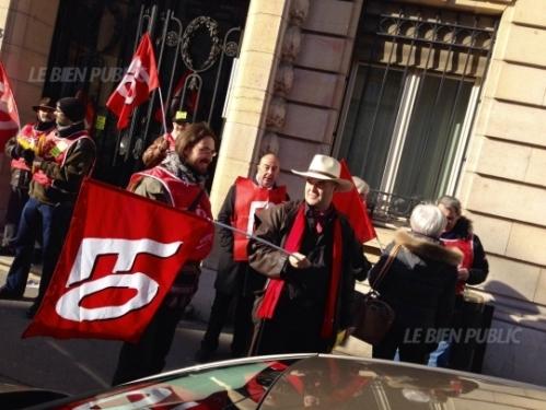 ce-mardi-midi-rue-de-la-prefecture-manifestation-pendant-une-heure-pour-quot-dire-non-a-l-allongement-de-la-duree-de-cotisation-quot-photo-e-h