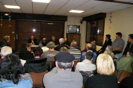 Suite à la réunion, une manifestation regroupant élus, population et syndicats est prévue lundi à 8 h 30 à Garlin. (G. D.)