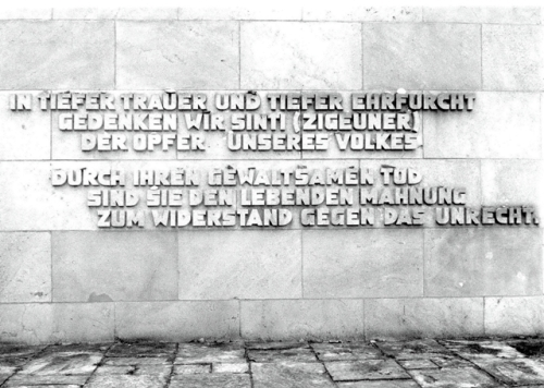Mémorial du génocide des Rroms et Sintis à Bergen-Belsen