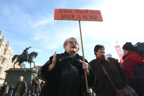 Prosvjed 'Zapoènimo masovne prosvjede u Hrvatskoj, ugledajmo se na Tuzlu i Ukrajinu'