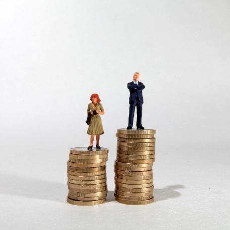 Les femmes gagnent un quart de salaire en moins que les hommes © Maxppp