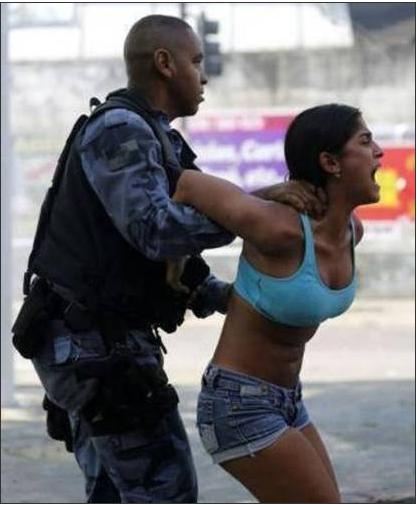 Les forces de l'ordre brésiliennes ont utilisé tous les moyens pour mener à bien leur opération d'expulsion. /AP
