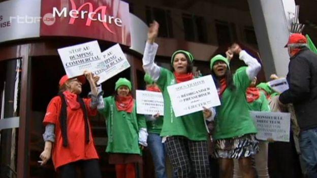 Bruxelles les femmes de chambre de l h tel mercure dans la rue solidarit ouvri re - Job etudiant femme de chambre bruxelles ...