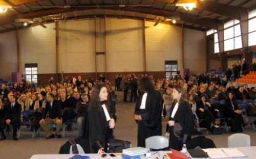 La cour administrative d'appel de Douai a rejeté jeudi la requête du groupe Continental, qui contestait l'annulation du licenciement pour motif économique d'anciens salariés de l'usine de pneus de Clairoix, décidée en février 2013 au conseil des prud'hommes de Compiègne (photo).