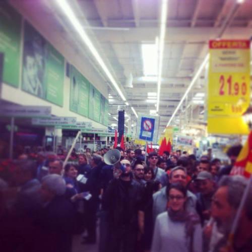 Grève et manifestation à Leroy Merlin contre l'ouverture du magasin le 1er Mai