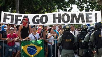 A 25 jours du Mondial, la situation au Brésil est inquiétante.