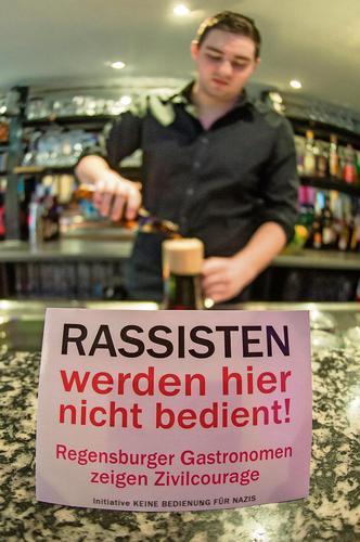 """Bar à Ratisonne : """"Ici on ne sert pas les racistes"""""""