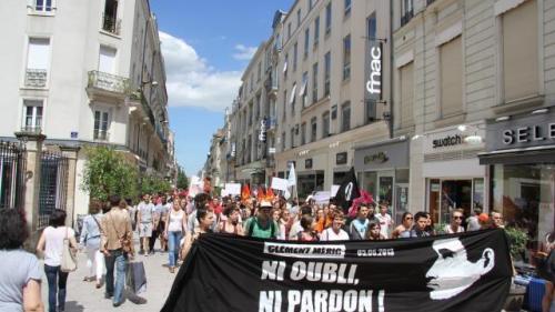 La manifestation rue Lepneveu, à Angers. © Ouest-France