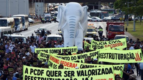 BRAZIL-WC-2014-POLICE-STRIKE