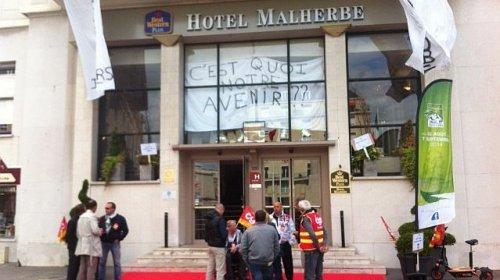 © Thierry Cléon L'ancien hôtel Malherbe situé, place Foch, pourrait fermer d'ici la fin 2014
