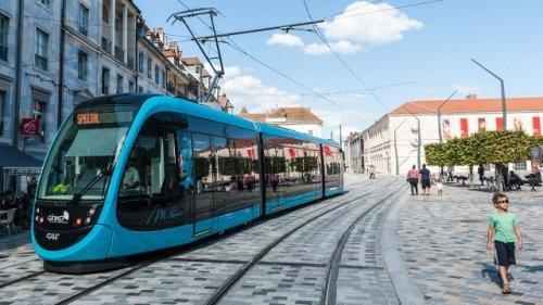 tram-640