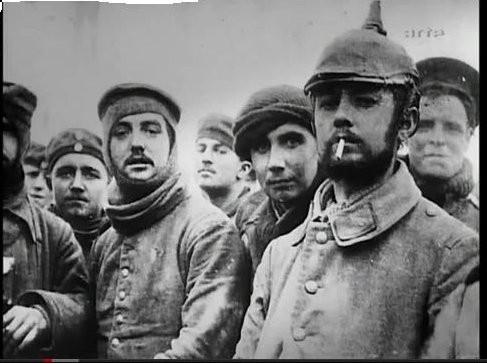 Fraternisation entre soldats anglais et allemands, 1915