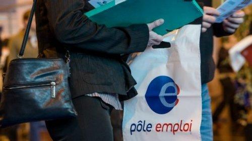 En 2014, le taux de chômage français bat un triste record avec 3,5 millions de demandeur d'emplois comptabilisés en décembre. afp.com/Philippe Huguen