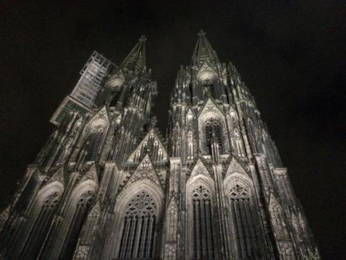 La cathédrale de Cologne avant le rassemblement raciste...