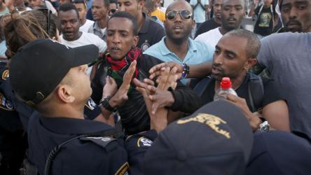 Une manifestation des Israéliens d'origine éthiopienne a dégénéré en heurts avec la police, à Tel Aviv, le 3 mai 2015.