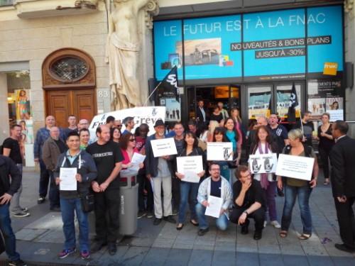 Les employés de la Fnac en grève, à Bellecour.