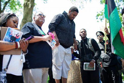 Manifestation de protestation le 23 mai 2015 à Cleveland après l'acquittement d'un policier blanc qui avait abattu deux Noirs non armés dans leur voiture à la suite d'une course poursuite en 2012 - Ricky Rhodes/AFP