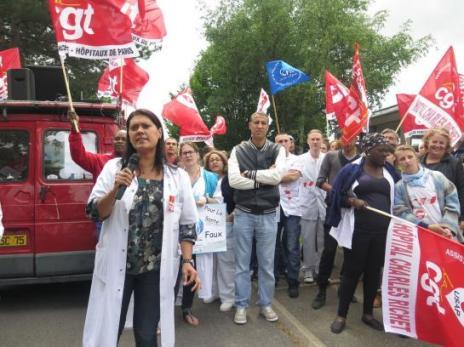 Villiers-le-Bel, le 2 juin 2015. Plus de la moitié du personnel de l'hôpital était en grève ce mardi pour protester contre la fermeture partielle de l'hôpital Adélaïde Hautval, ex-Charles Richet, transformé en Ehpad (LP/PCo.)