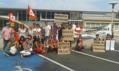 Le mouvement de grève, lancé le lundi 31 août,suite au licenciement d'une psychologue de l'APAJH, s'est poursuivi mardi.