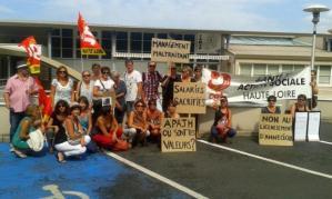Une vingtaine de salariés de l'APAJH étaient en grêve lundi. / Photo DR